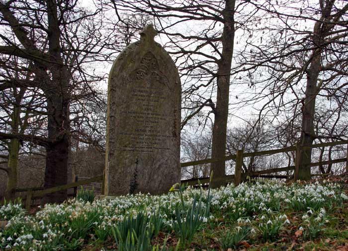 bulcote-churchyard4169