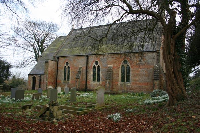 bulcote-churchyard4182